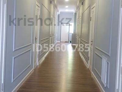 Здание, площадью 500 м², Торайгырова 143 — Бокенбай батыра за 100 млн 〒 в Актобе, мкр 12 — фото 9