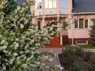 10-комнатный дом, 416 м², 16 сот., улица Гагарина 123/125 — Толебаева за 70 млн 〒 в Талдыкоргане