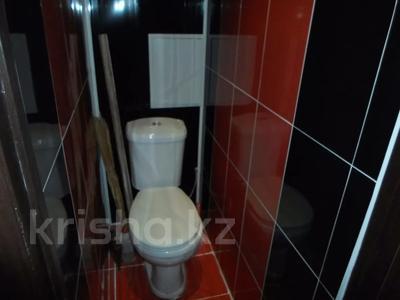 2-комнатная квартира, 50 м² посуточно, Ескалиева 186 — Маншук маметова за 10 000 〒 в Уральске — фото 6