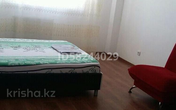 1-комнатная квартира, 45 м², 2/5 этаж посуточно, 17-й мкр 78 за 6 000 〒 в Актау, 17-й мкр