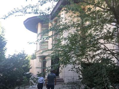 6-комнатный дом, 1089 м², 30 сот., Шапкой де голь за 650 млн 〒 в Нур-Султане (Астана), Алматы р-н