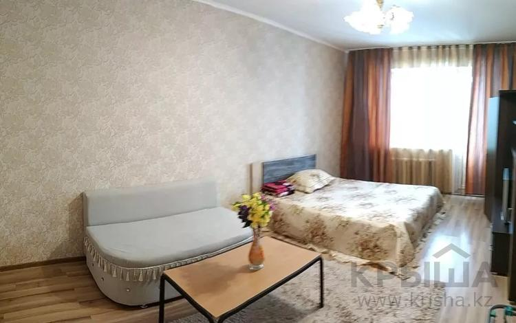 1-комнатная квартира, 45 м², 4/12 этаж посуточно, Сатпаева 18 — Майлина за 7 000 〒 в Нур-Султане (Астана)