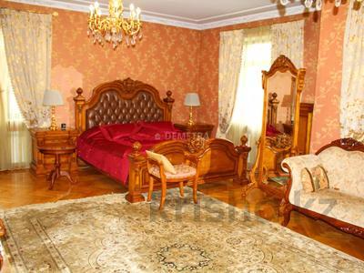 8-комнатный дом, 500 м², 14 сот., Шаляпина — Байкена Ашимова за 182 млн 〒 в Алматы, Наурызбайский р-н — фото 2