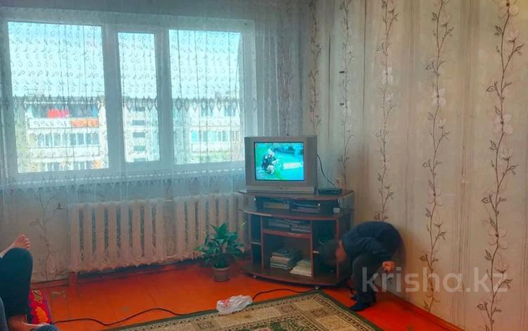 2-комнатная квартира, 58 м², 5/5 этаж, Телецентр 4 за 8.4 млн 〒 в Таразе