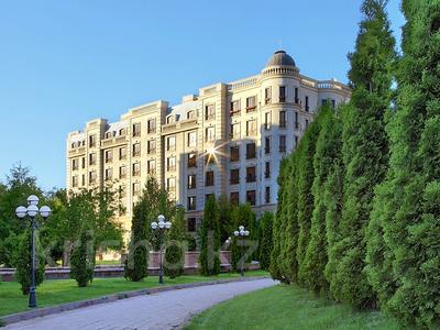 3-комнатная квартира, 132.2 м², 5/8 этаж, мкр Мирас, Аскарова Асанбая — проспект Аль-Фараби за 117 млн 〒 в Алматы, Бостандыкский р-н