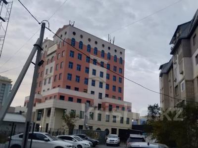3-комнатная квартира, 78.7 м², 4/6 этаж, проспект Каныша Сатпаева за 24.8 млн 〒 в Атырау