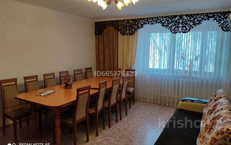 3-комнатная квартира, 65 м², 1/5 этаж, улица Женис 13 за 13.8 млн 〒 в Жезказгане