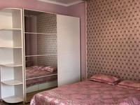 1-комнатная квартира, 50 м², 2/10 этаж посуточно, Сыганак 10 — Сауран за 5 000 〒 в Нур-Султане (Астана), Есиль р-н