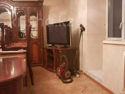4-комнатная квартира, 100 м², 2/5 этаж посуточно, Сырдария новостройка 3 — Абая напротив смолл жибек жолы за 12 000 〒 в  — фото 13