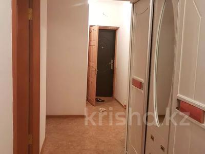 4-комнатная квартира, 100 м², 2/5 этаж посуточно, Сырдария новостройка 3 — Абая напротив смолл жибек жолы за 12 000 〒 в  — фото 18