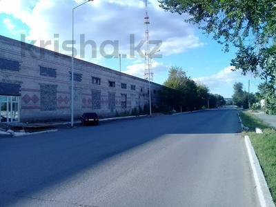 Здание, площадью 1000 м², Шугаева 153 за 60 млн 〒 в Семее — фото 2