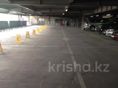 Паркинг, парковочное место, гараж, можно под склад, напротив Зеленого Базара за 10 000 〒 в Алматы, Медеуский р-н — фото 6
