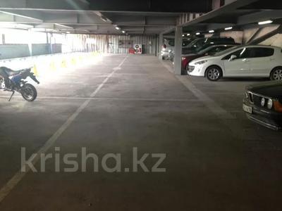 Паркинг, парковочное место, гараж, можно под склад, напротив Зеленого Базара за 10 000 〒 в Алматы, Медеуский р-н — фото 7