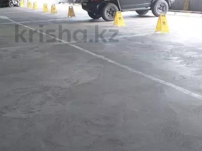 Паркинг, парковочное место, гараж, можно под склад, напротив Зеленого Базара за 10 000 〒 в Алматы, Медеуский р-н — фото 9