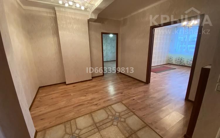 2-комнатная квартира, 80 м², 2/9 этаж, Момышулы 15а — Тауельсиздик за 24.9 млн 〒 в Нур-Султане (Астана), Алматы р-н