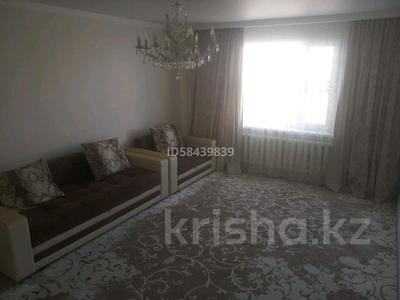 2-комнатная квартира, 77 м², 5/16 этаж, Кошкарбаева 34 за 27.1 млн 〒 в Нур-Султане (Астана), Алматы р-н — фото 3