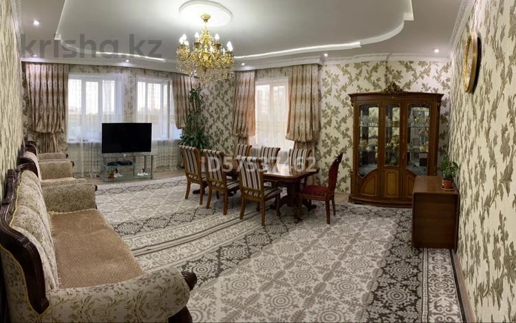 4-комнатная квартира, 190 м², 2/10 этаж, Сарайшык 36 — Туркестан за 73 млн 〒 в Нур-Султане (Астана), Есиль р-н