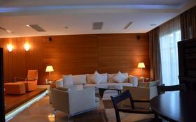 5-комнатный дом помесячно, 206 м², Жамакаева 57 за 1.3 млн 〒 в Алматы, Бостандыкский р-н
