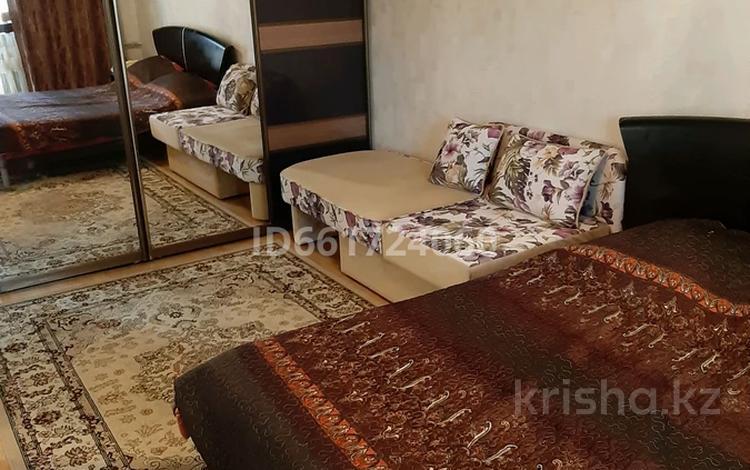 1-комнатная квартира, 32 м², 3/4 этаж посуточно, Ниеткалиева 6 — Койгельды за 6 000 〒 в Таразе