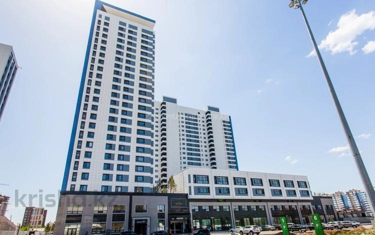 4-комнатная квартира, 201 м², 1/2 этаж, Кабанбай батыра 47 за 127 млн 〒 в Нур-Султане (Астана), Есиль р-н