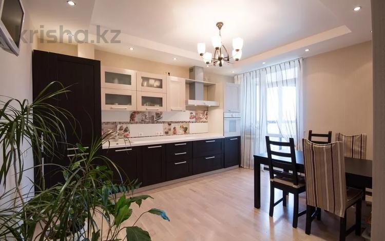 2-комнатная квартира, 60 м², 7/12 этаж посуточно, мкр Самал-2 78 за 14 000 〒 в Алматы, Медеуский р-н