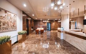 4-комнатная квартира, 290 м², 9/10 этаж, проспект Тауелсыздык 32/1 за 300 млн 〒 в Нур-Султане (Астана), Есиль р-н