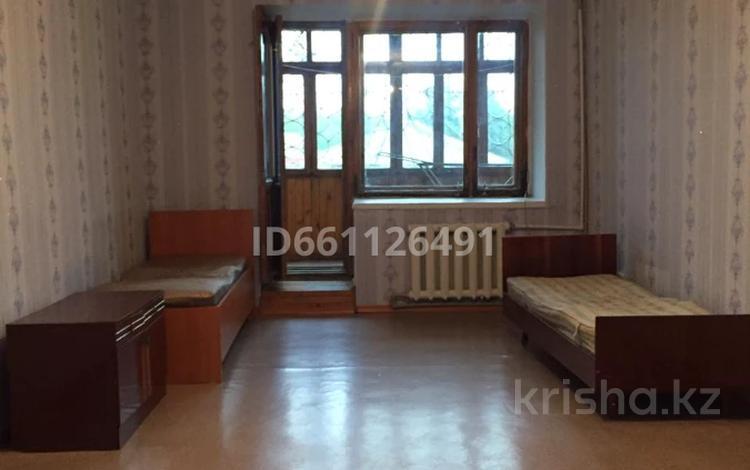 2-комнатная квартира, 52 м², 2/2 этаж, Набережный переулок 2 за 7 млн 〒 в Семее