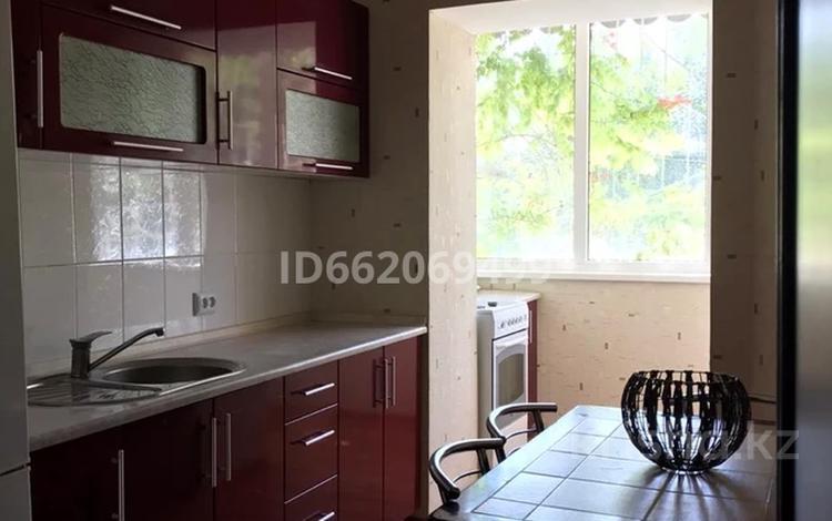 2-комнатная квартира, 45 м², 2/3 этаж помесячно, Айтиева з — Толе би за 70 000 〒 в Таразе