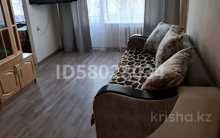 3-комнатная квартира, 60 м², 3/5 этаж посуточно, Сабитовой 9 за 10 000 〒 в Балхаше
