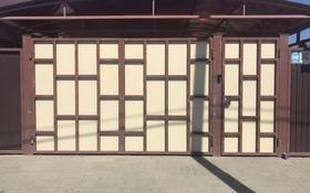 6-комнатный дом, 170 м², 4 сот., Эмбенская 99 за 38 млн 〒 в Актобе, Старый город