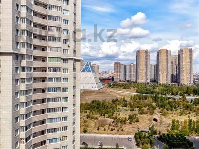 1-комнатная квартира, 53 м², 10/21 этаж посуточно, Нажмеденова 10 — Тауелсыздык за 7 000 〒 в Нур-Султане (Астана), Есиль р-н