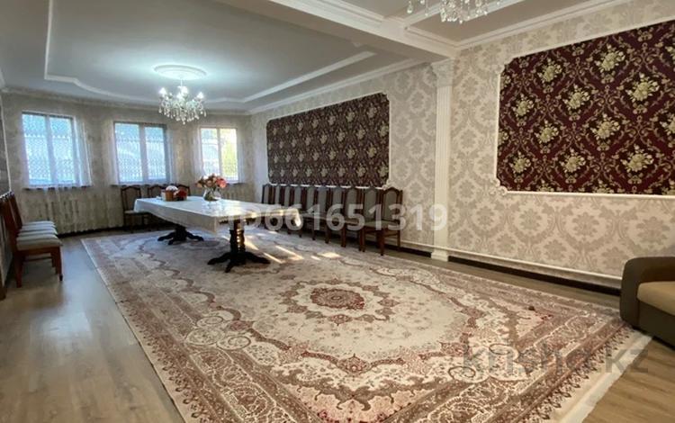 6-комнатный дом, 200 м², 6 сот., мкр Думан-1, Думан-1 Каркаралы 6 за 44 млн 〒 в Алматы, Медеуский р-н
