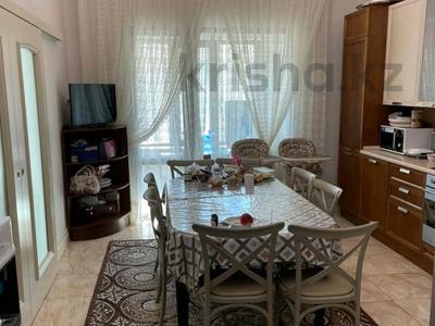 4-комнатная квартира, 164 м², 5/7 этаж, проспект Кабанбай Батыра 13 за 120 млн 〒 в Нур-Султане (Астане), Есильский р-н