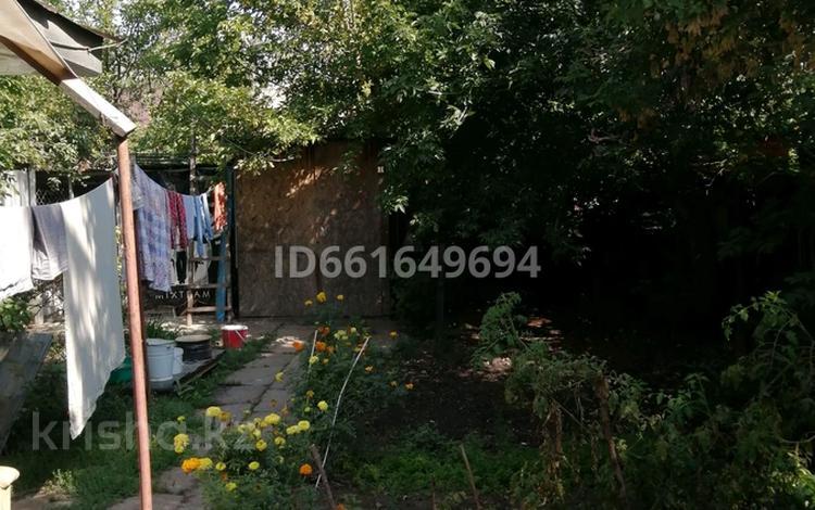 2-комнатный дом, 40 м², 3 сот., улица Папанина 53 за 15.5 млн 〒 в Алматы, Турксибский р-н