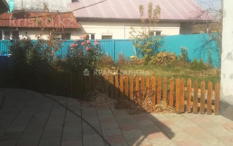 3-комнатный дом, 86 м², 4 сот., Шухова — Крымская за 20.5 млн 〒 в Алматы, Медеуский р-н