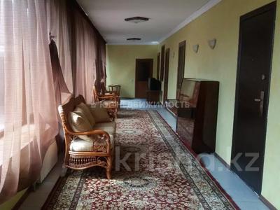 6-комнатный дом, 500 м², 11 сот., Комратова за 98 млн 〒 в Таразе — фото 21