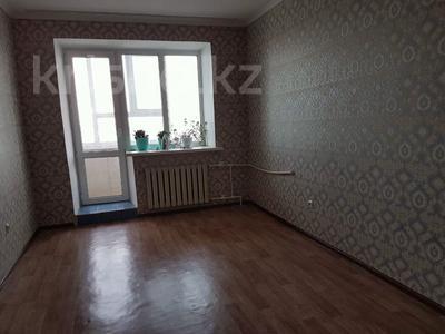 2-комнатная квартира, 64 м², 10/10 этаж, 12-й микрорайон 39 за 10.5 млн 〒 в Актобе — фото 2