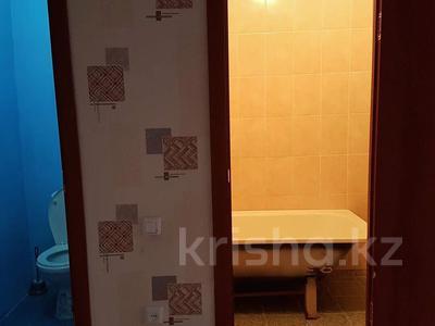 2-комнатная квартира, 64 м², 10/10 этаж, 12-й микрорайон 39 за 10.5 млн 〒 в Актобе — фото 7