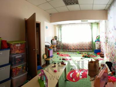 Помещение площадью 181.5 м², Солодовникова 46 — Розыбакиева за 70 млн 〒 в Алматы, Бостандыкский р-н — фото 8