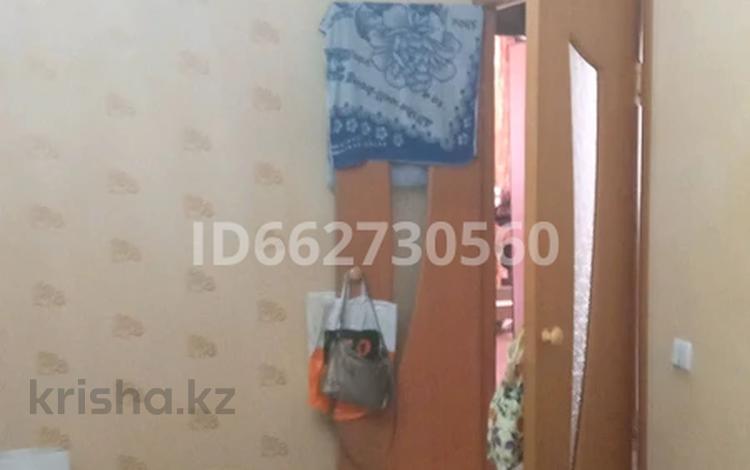 3-комнатная квартира, 63 м², 1/5 этаж, Микрорайон Алатау 40 за 12 млн 〒 в Таразе