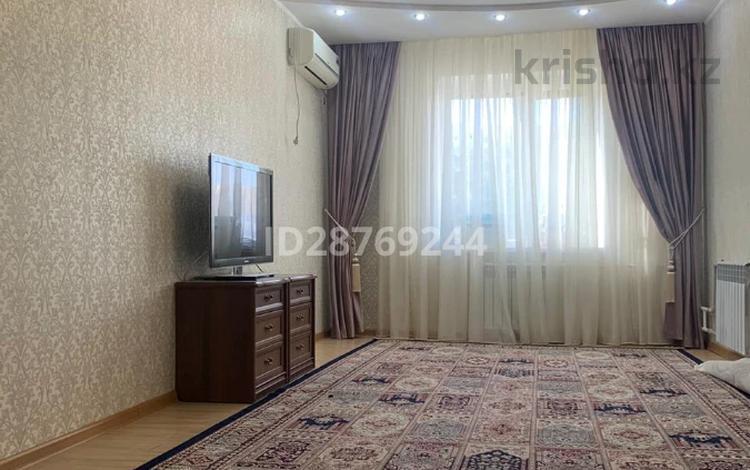 5-комнатная квартира, 90 м², 2/5 этаж, 27-й мкр 39 за 23 млн 〒 в Актау, 27-й мкр
