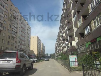 "3-комнатная квартира, 103.2 м², 3/9 этаж, мкр Аксай-1А, Мкр ""Аксай 1а"" 17 за ~ 21.7 млн 〒 в Алматы, Ауэзовский р-н"