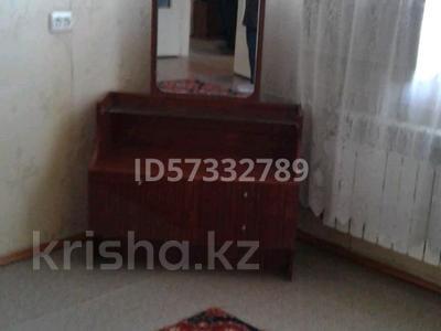2-комнатная квартира, 55 м², 4/5 этаж помесячно, 21 мкр 8 за 70 000 〒 в Шымкенте, Аль-Фарабийский р-н