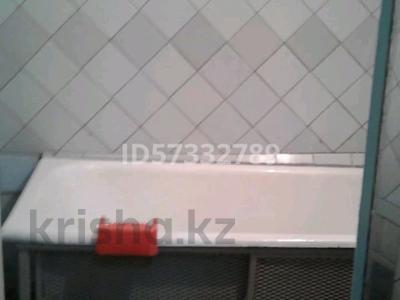 2-комнатная квартира, 55 м², 4/5 этаж помесячно, 21 мкр 8 за 70 000 〒 в Шымкенте, Аль-Фарабийский р-н — фото 2