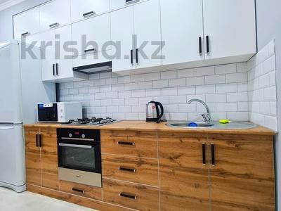 2-комнатная квартира, 65 м², 5/10 этаж посуточно, Абулхаир хана 70 за 17 000 〒 в Атырау