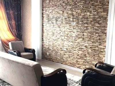 2-комнатная квартира, 80 м², 6/17 этаж помесячно, проспект Кунаева 91 за 200 000 〒 в Шымкенте — фото 3