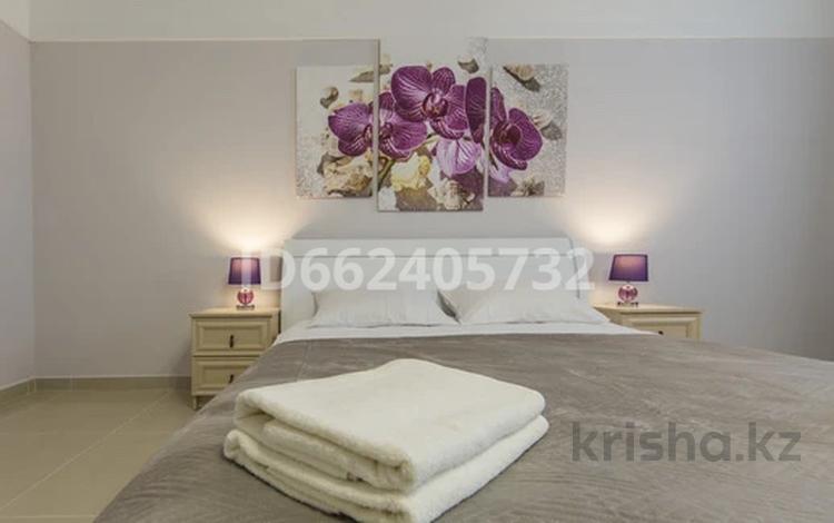 1-комнатная квартира, 45 м², 20/25 этаж посуточно, Розабакиева 279 — Аль-Фараби за 15 000 〒 в Алматы, Бостандыкский р-н