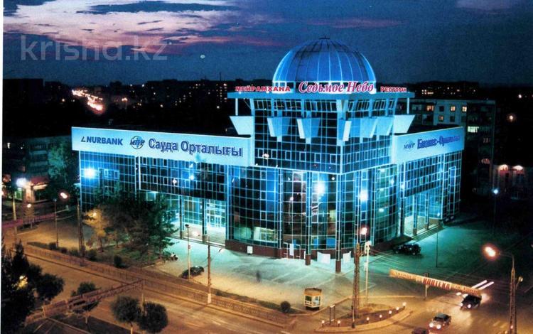 Офис площадью 53 м², проспект Абилкайыр Хана 85 — Марата Оспанова за 100 000 〒 в Актобе