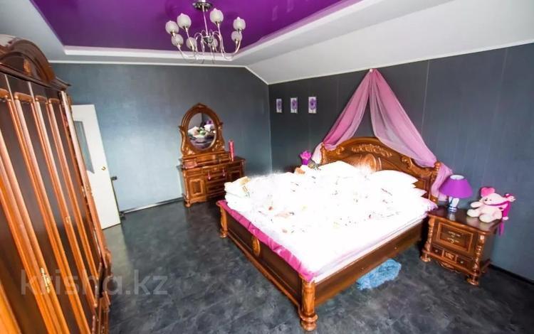 7-комнатный дом, 240 м², 10 сот., Абая за 45 млн 〒 в Костанае