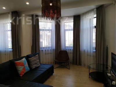 4-комнатная квартира, 160 м², 1/3 этаж помесячно, Жанибекова 92 за 270 000 〒 в Караганде, Казыбек би р-н — фото 2